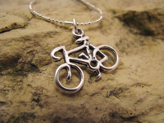biciklis ékszer