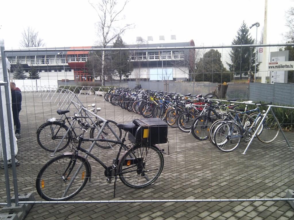 Bringaexpo 2015 - őrzött bicikli tároló