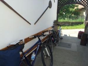 Kemence vendéglátóhely kerékpárok