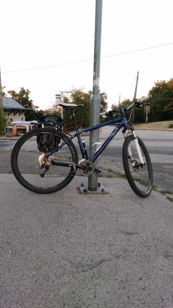 Mucikli 29er János-hegy fogaskerekű végállomás
