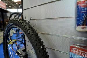 Bicikli gumi defektvédő folyadékkal