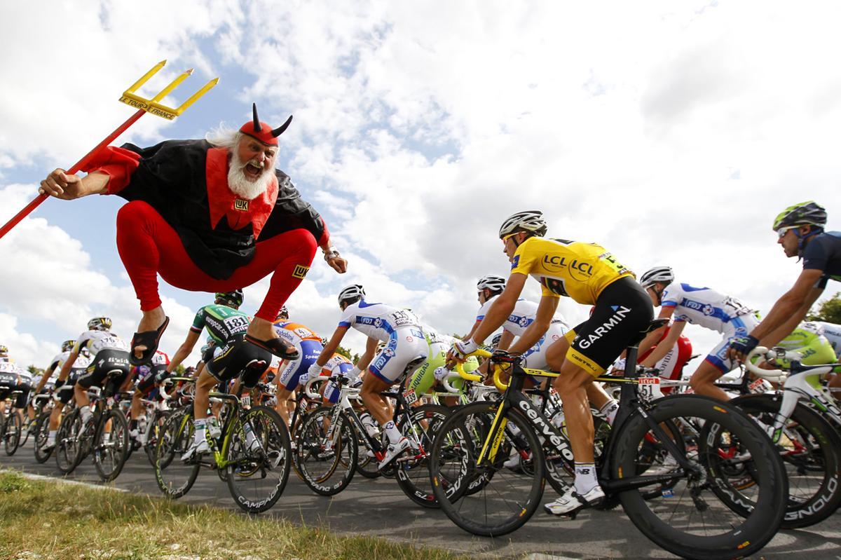 Tour de France vicces szurkoló ördög