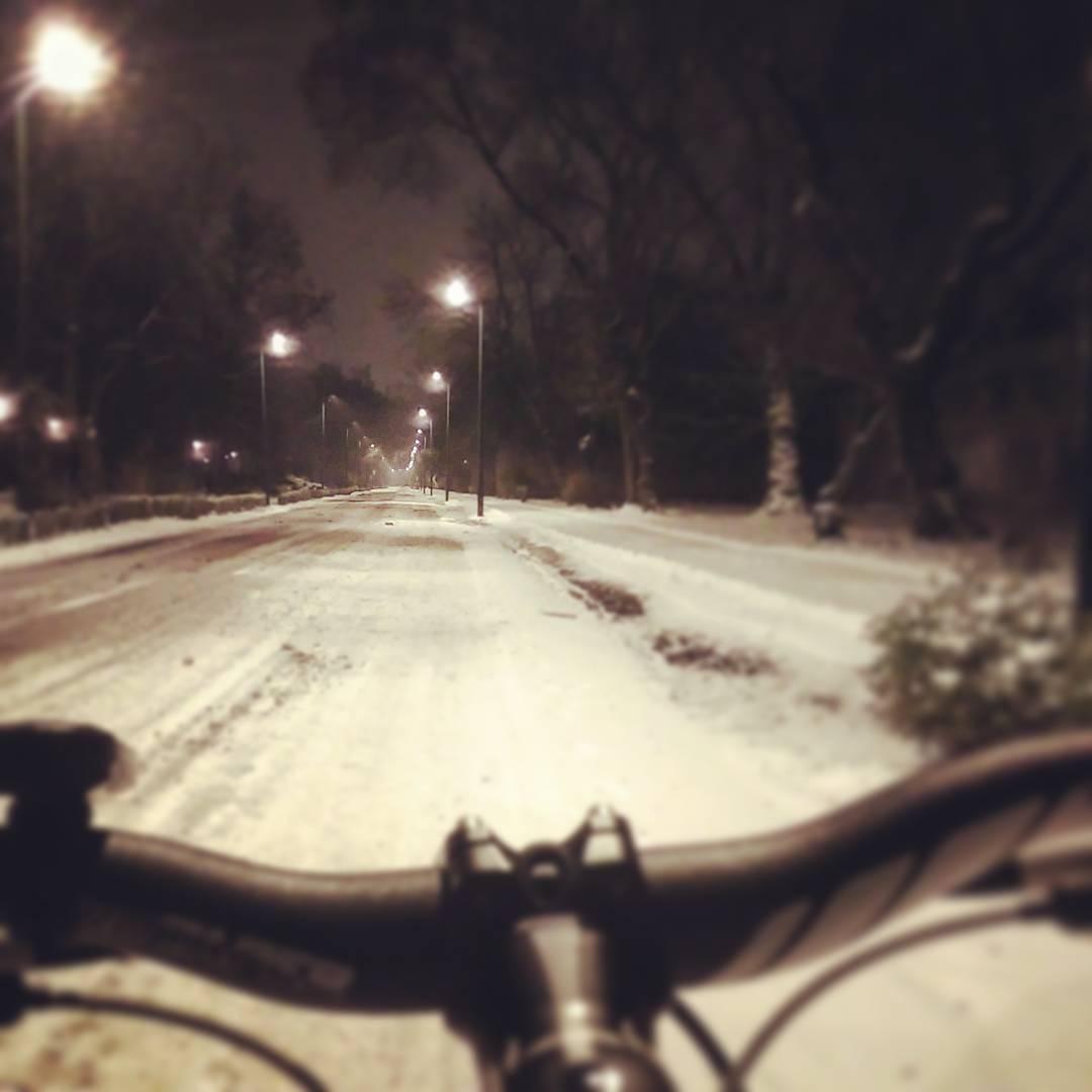 Margit-sziget téli biciklis