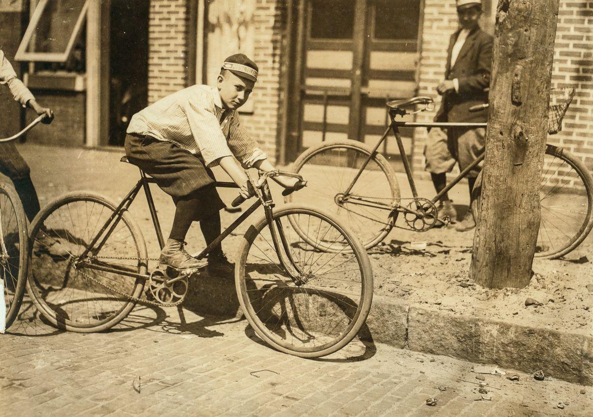 biciklis futár régen