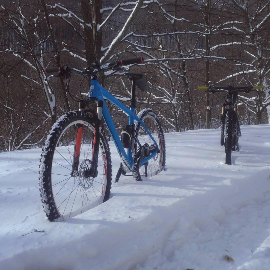 Biciklizés hóban